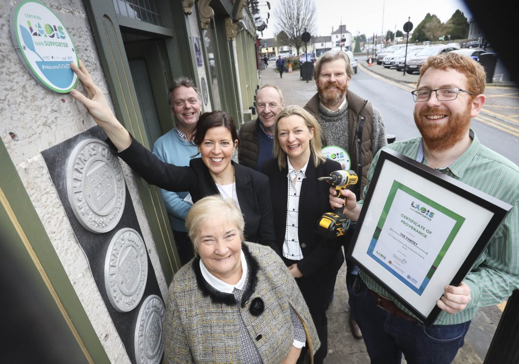 Pictured at The Pantry, Portlaoise for the launch of the Laois TASTE Provenance Scheme. Mark Healy, The Pantry (right) received his Laois TASTE plaque from Honor Deevy, Local Enterprise Office. Also included are Brian Brennan, BrennanÕs Old House Gin; Denise Rainey, Laois County Council Business Support Unit; Helen Gee, chairperson of Laois TASTE; Noel Barcoe, Village Dairy and Kevin Scully, The Merry Mill.